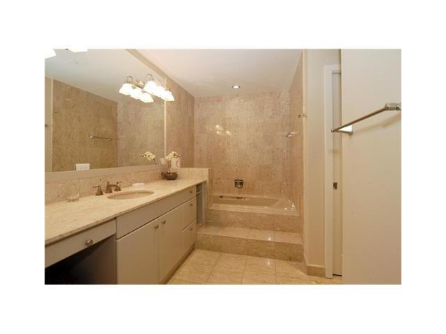 19214 FISHER ISLAND DR