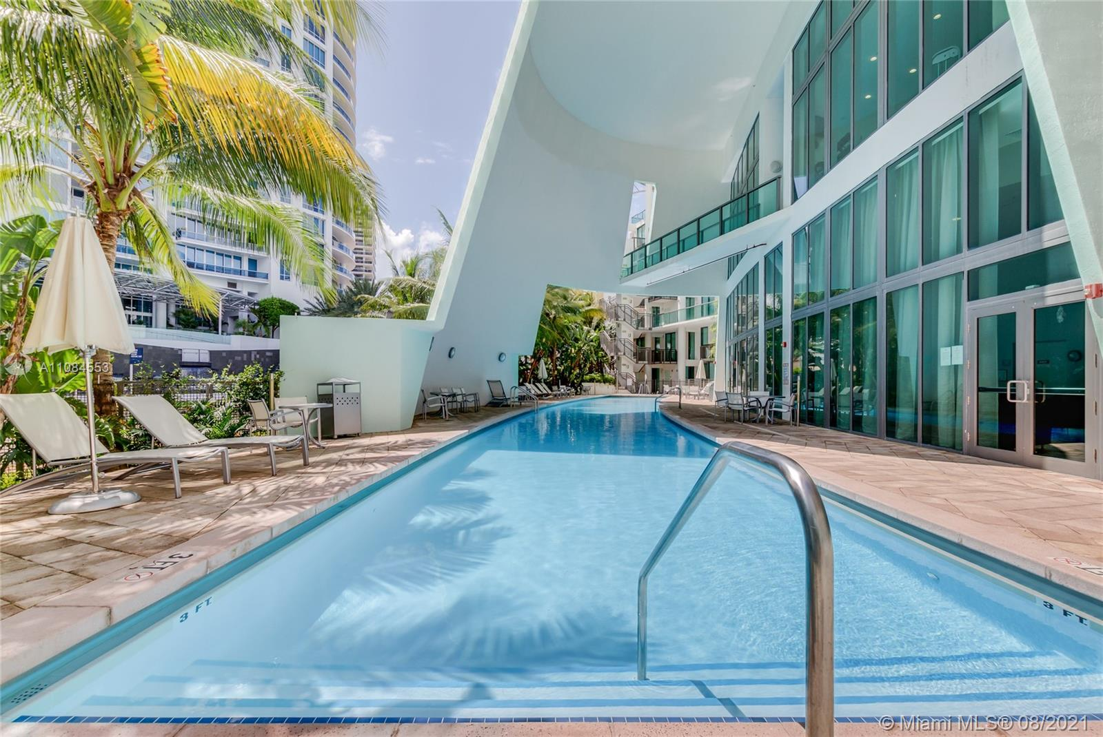 6000 Collins Ave