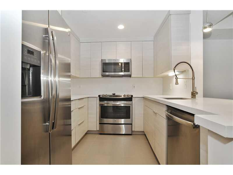 19114 FISHER ISLAND DR